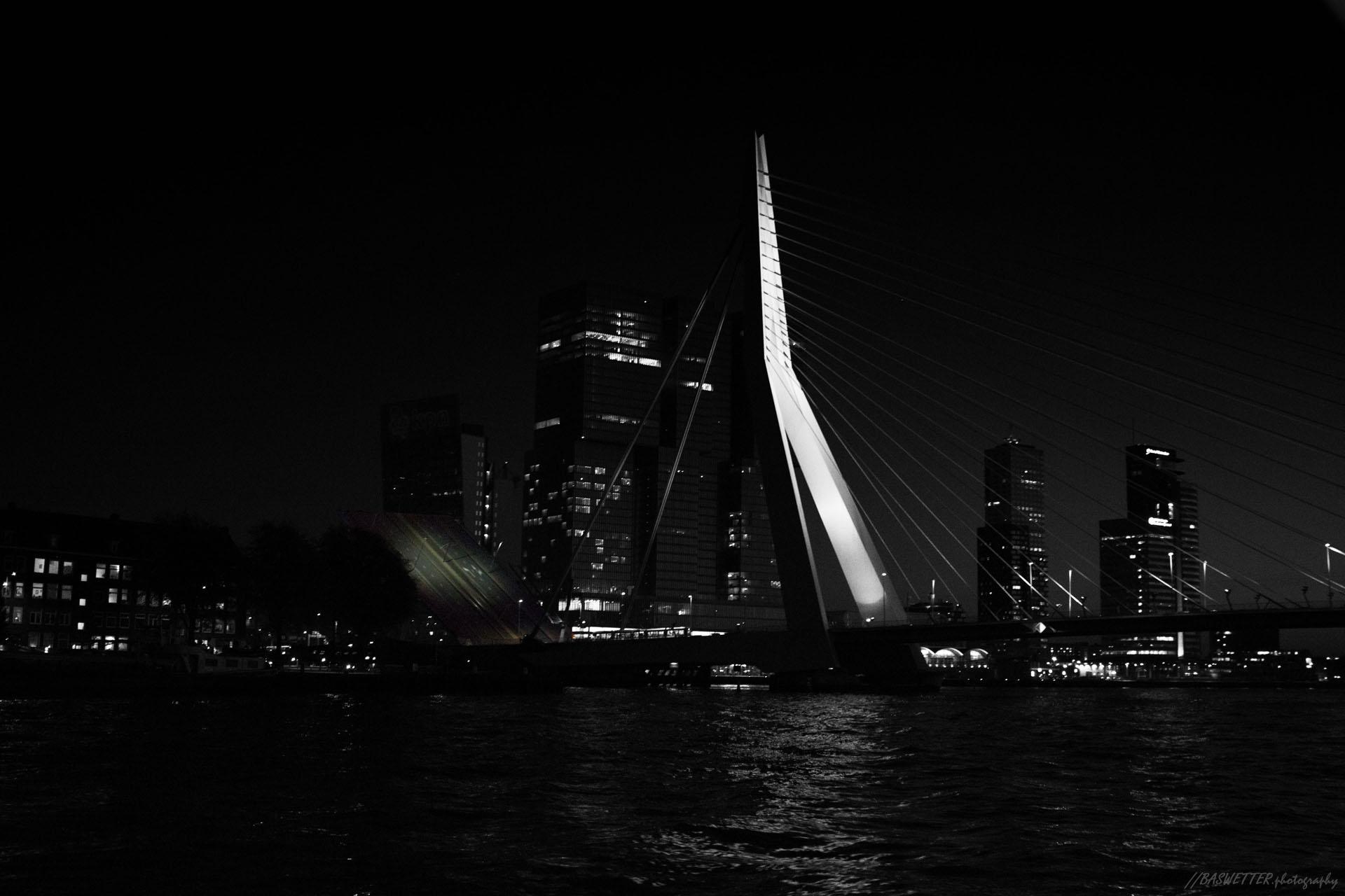 Erasmusbrug in Rotterdam geopend