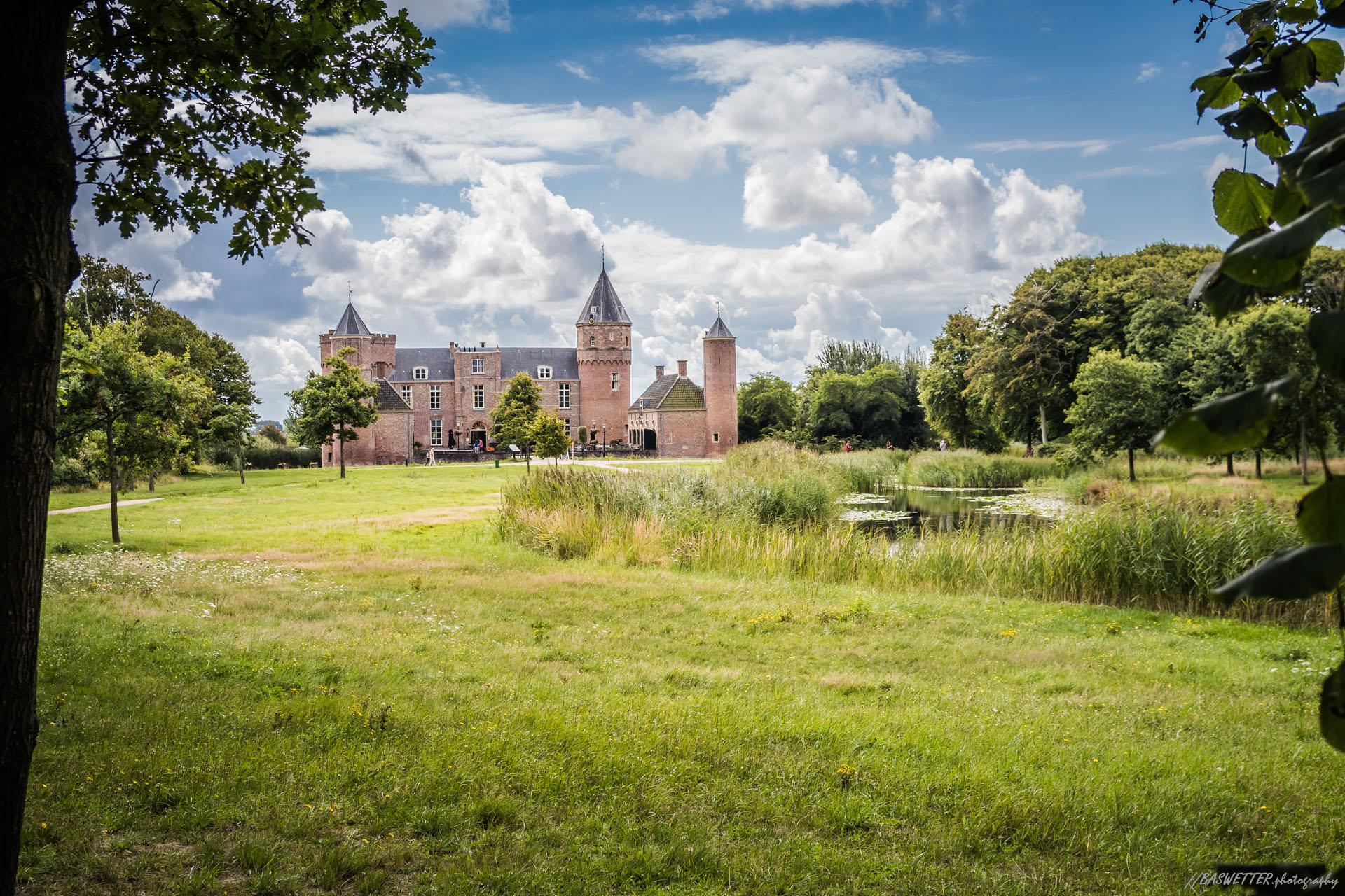 Kasteel Westhove op Walcheren bij Domburg (Zeeland)